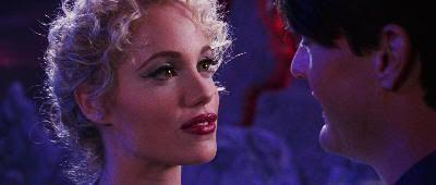 "Elizabeth Berkley en ""Showgirls"" (1995)"