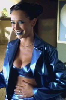 "Jennifer Love Hewitt en ""The Suburbans"" (1999)"