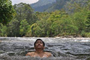 berenang-di-sungai-alas