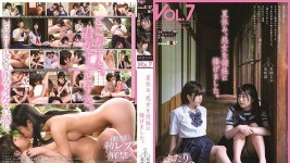 SDMF-005 The two female students relieved the stress of studying with sex