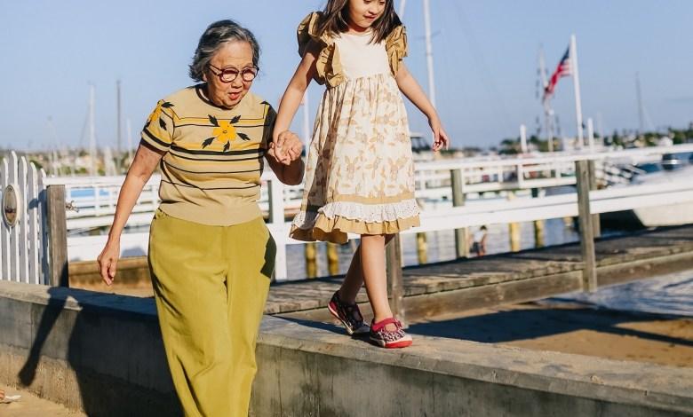 كم دقيقة من المشي نحتاجها في الصغر لتجنب فقدان الحركة في الكبر؟