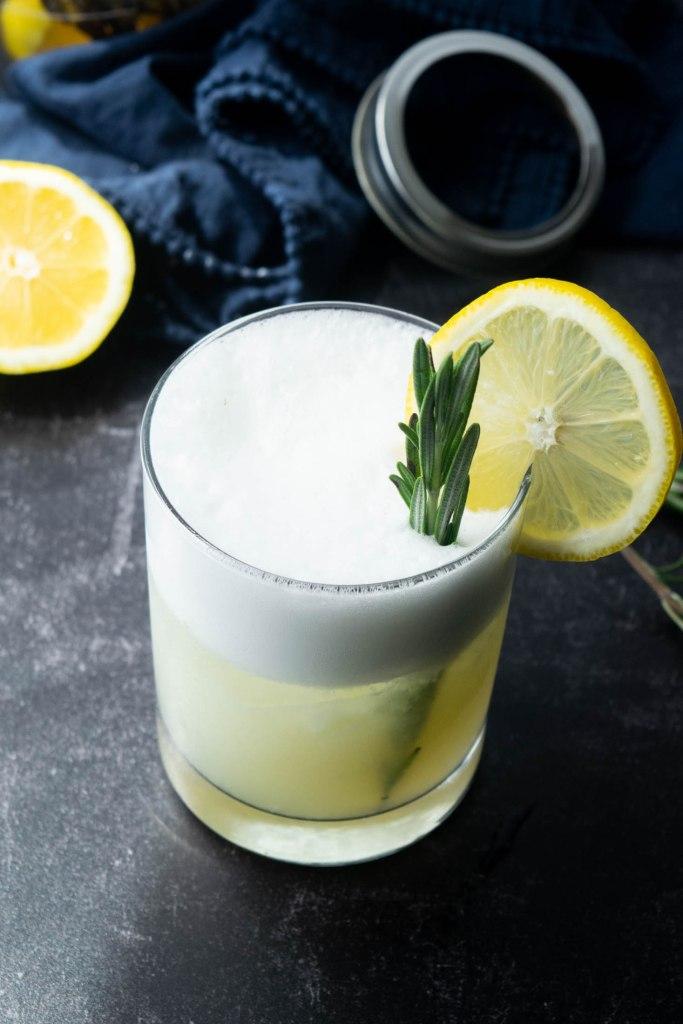 lemon rosemary gin fizz