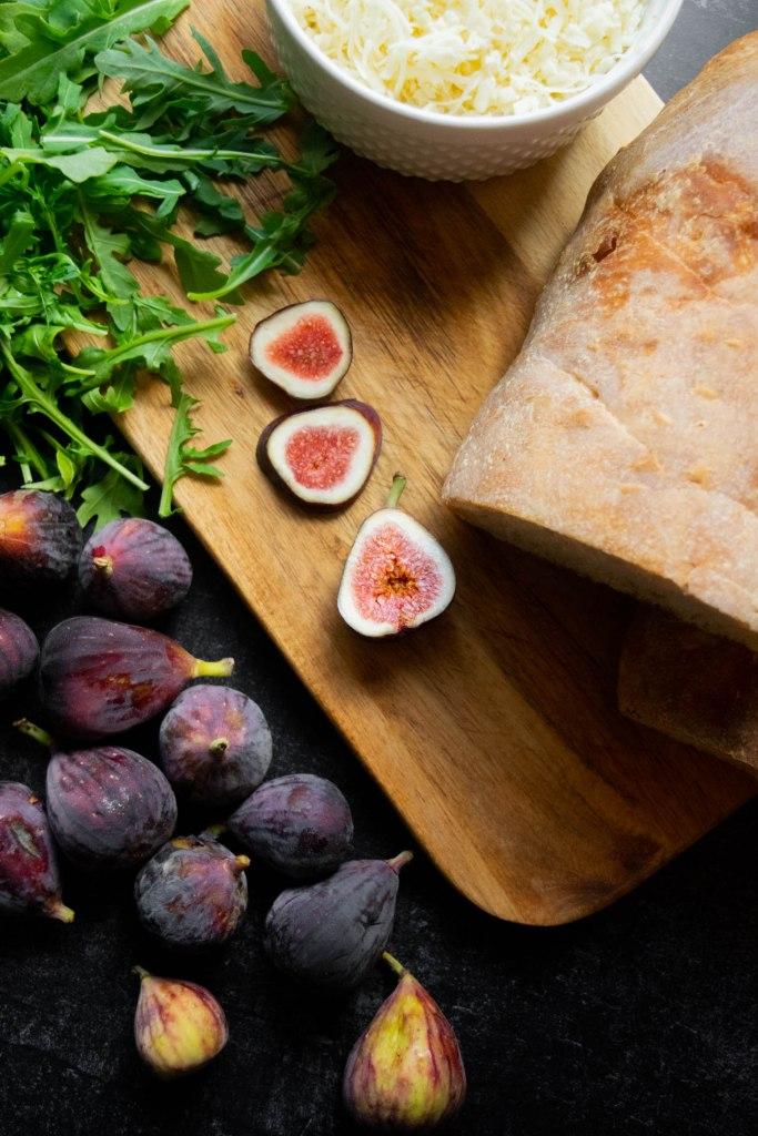 figs bread arugula