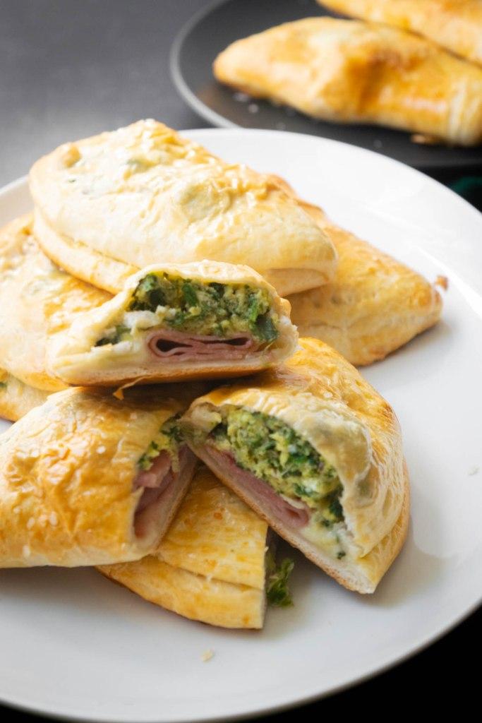 Green Eggs and Ham Breakfast Pockets