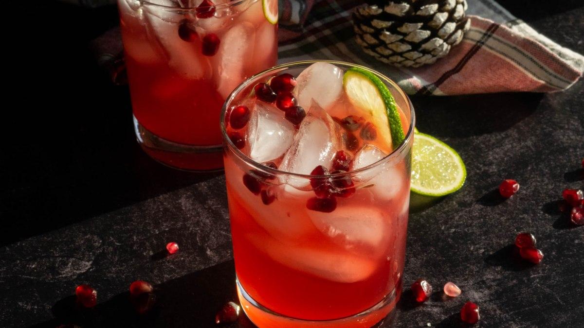 Holly Jolly Pomegranate Mezcal Margarita
