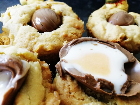 Creme egg cookie cup