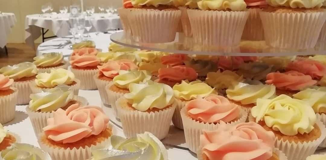 silver & pink buttercream cupcakes