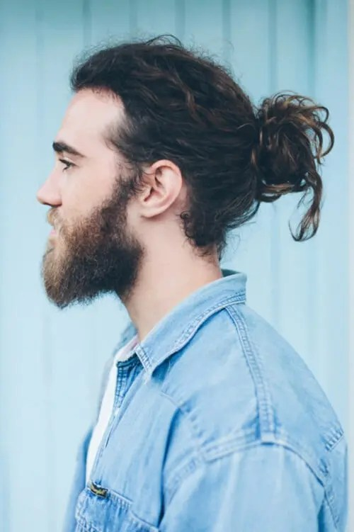 HAIRCUTS FOR MEN WITH CURLY HAIR THE man bun