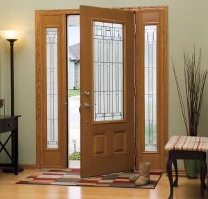 Pintu dengan kombinasi kaca