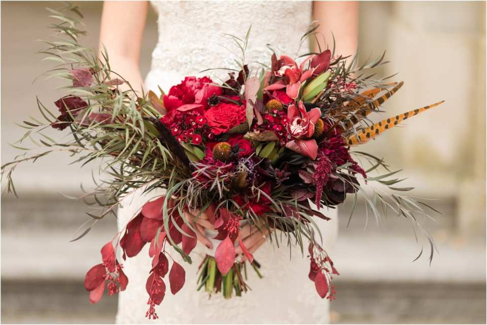 loose wedding bouquets