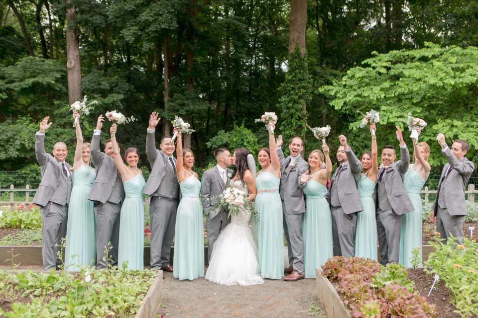 fun wedding party photo, mint wedding party, NJ wedding photographer, Deep Cut Gardens