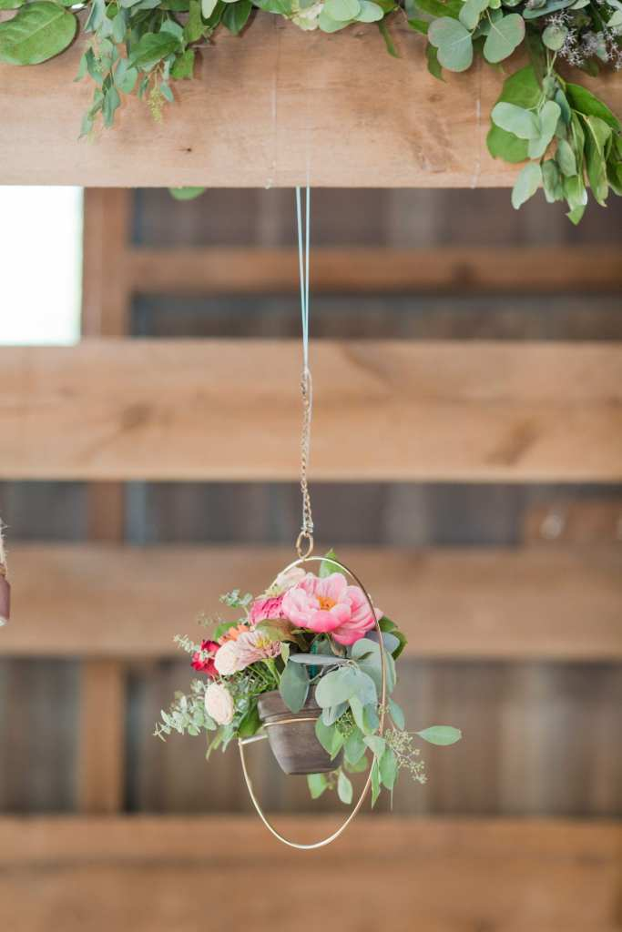 unique hanging florals, boho wedding details