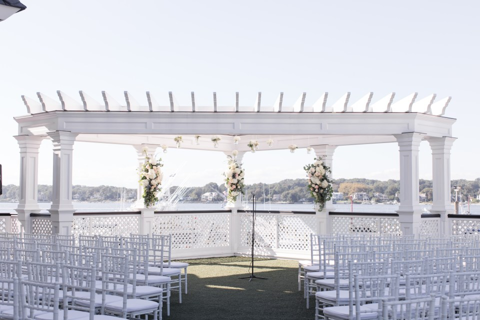 Clarks Landing Marina & Yacht Club wedding ceremony venue, outdoor wedding ceremony, wedding ceremony by the water, Jersey shore wedding ceremony