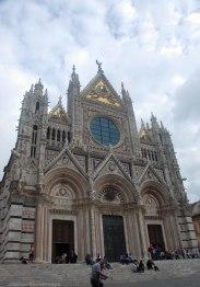 The west facade of Duomo di Siena.