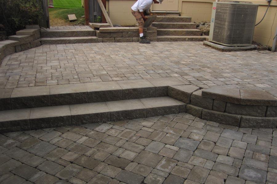 Multi-Level Patio w/ Highland Block and Dublin Cobble Stone