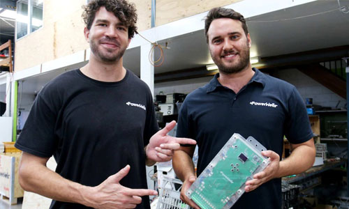 Queensland-entrepreneurs-use-old-laptop-batteries-to-help-combat-global-energy-crisis-among-poverty-stricken-families-1