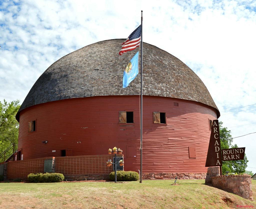 Arcadia Round Barn Oklahoma