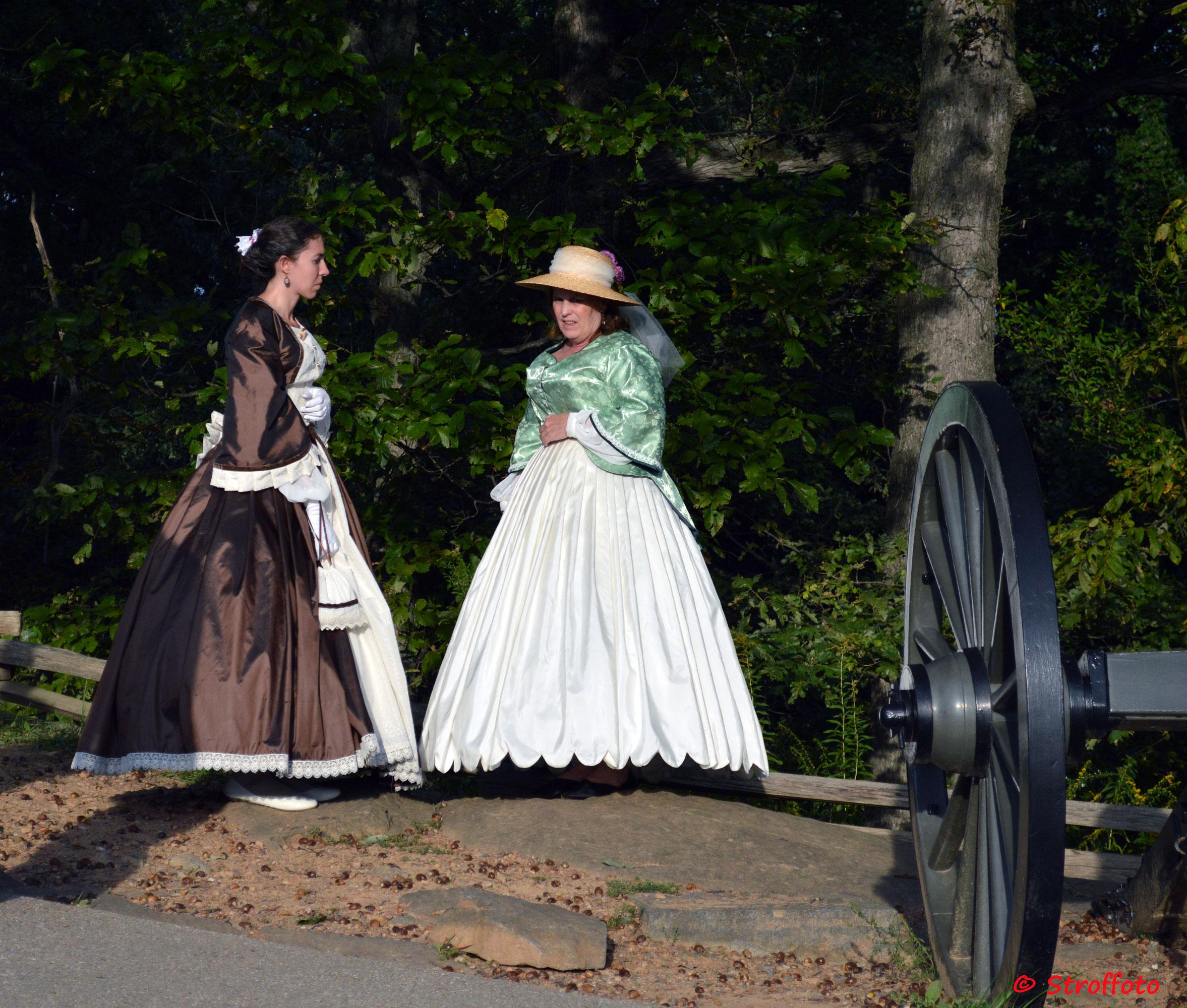 Some women dressed in costume in Gettysburg