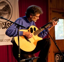 Kinloch nelson performing at the Woodstock Luthiers Invitational. Photo © JAy Rosenblatt