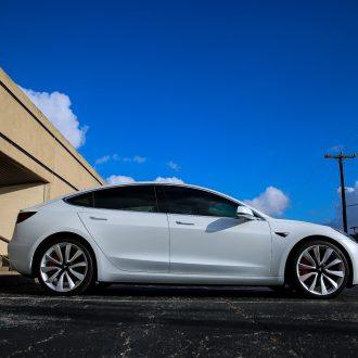 Tesla Model 3 (white)