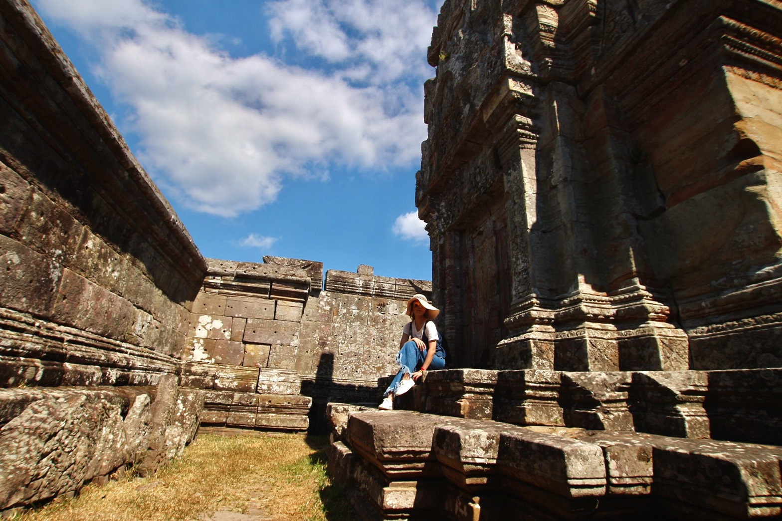 柬埔寨|郊區秘境──懸崖奇蹟柏威夏+遺落於森林中的貢開金字塔 - JAZKO