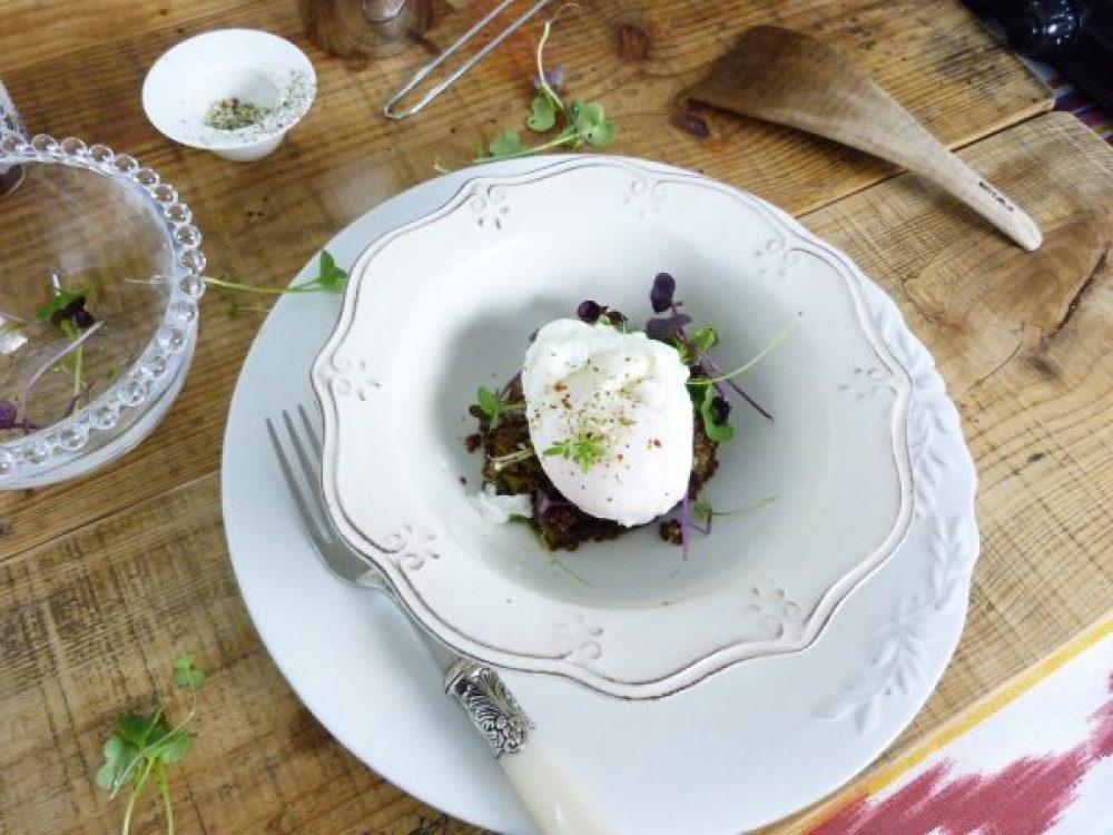 Cómo-hacer-quinoa-con-verduras-y-huevos-poche-Receta-sana-Quinoa-Roja-jazmin-y-canela-andrea-carucci-3