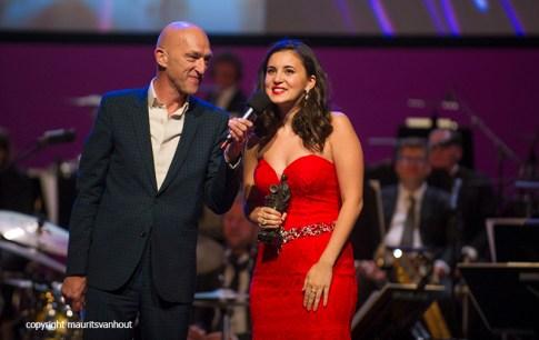 Rotterdam, 24 juni 2016 Uitreiking Edison Awards in Nieuwe Luxor Theater. Foto: Karsu ontving de publieksprijs.
