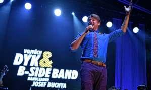 B-Side Band sVojtěchom Dykom predstavili vo Valticiach nový koncertný program 10 let Beat ve Swingu