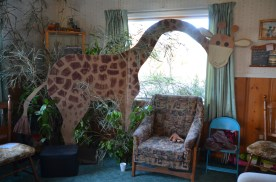 There's a giraffe in the house!!
