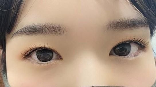初めての方にもおすすめの高品質なマツエクはもちろん、日本人のまつ毛に合わせ、根本からたち上げる新世代のまつ毛パーマ「パリジェンヌラッシュリフト」を導入。パッチリとした理想の目元を叶えてくれる