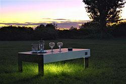 ソーラーパネル組み込みテーブル「Solar Table」で年間約11...