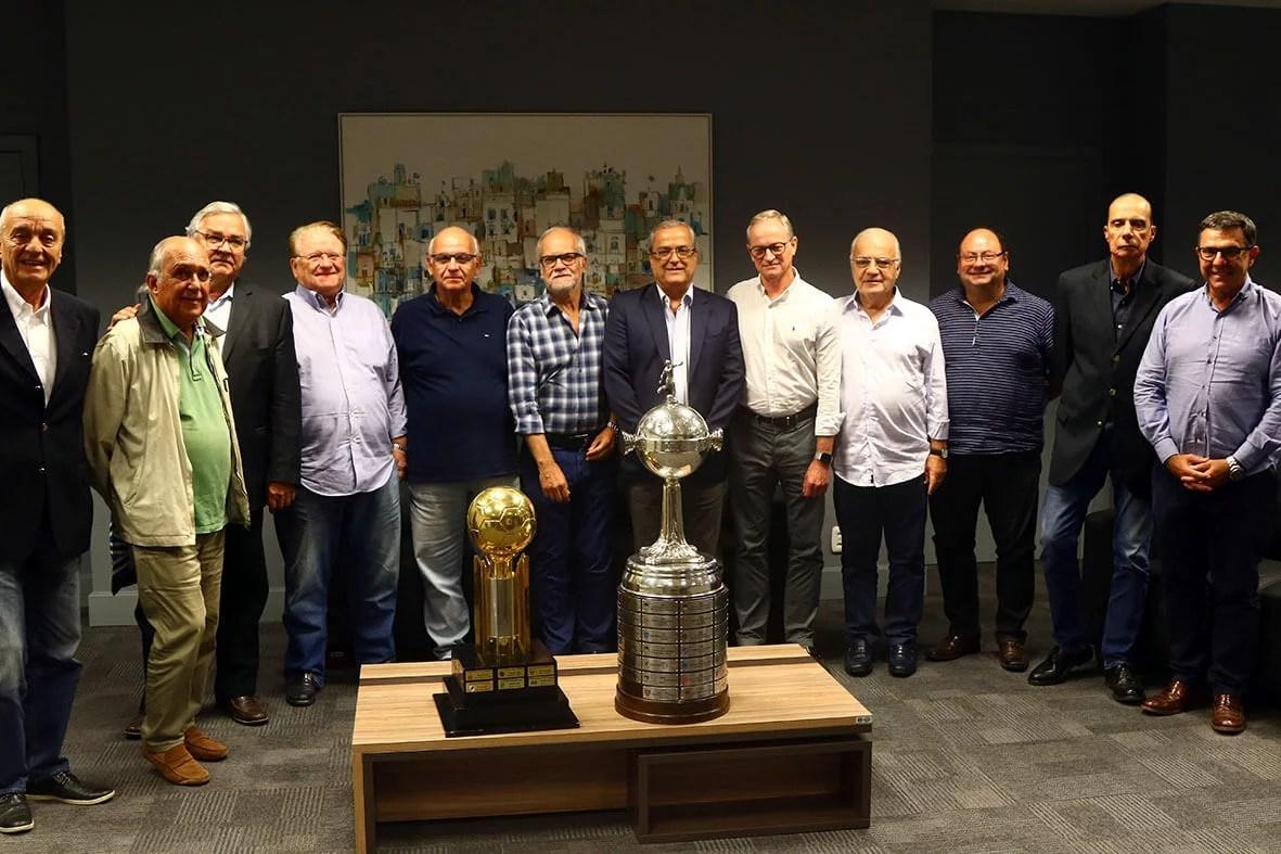 Presidente Romildo recebe grandes lideranças do Grêmio na Arena