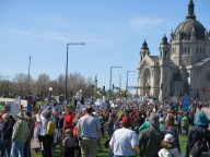 The crowd before the march began, at the St. Paul Cathedral