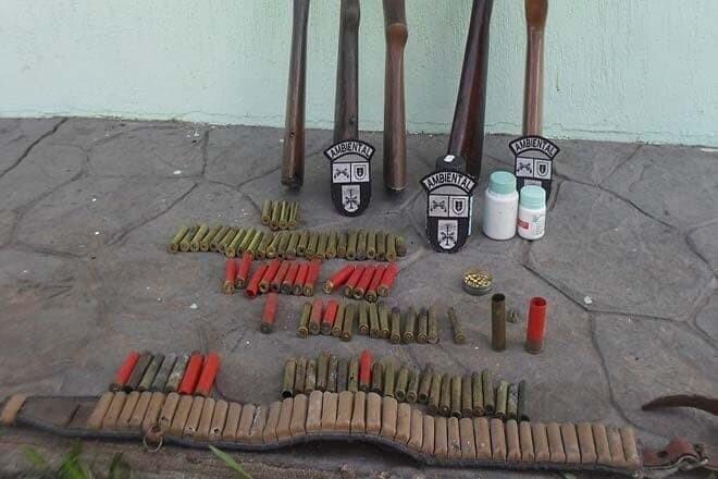 Polícia Ambiental apreende armas de caça em Antonina 1