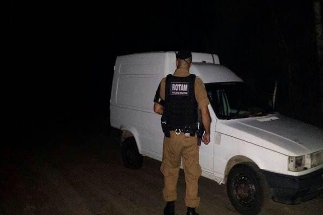 Rotam localiza veículo furtado em chácara no Embocuí 1