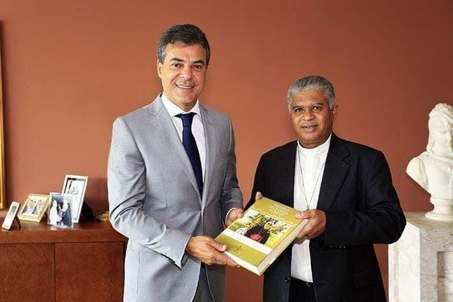 Governador recebe bispo da Diocese de Paranaguá 1