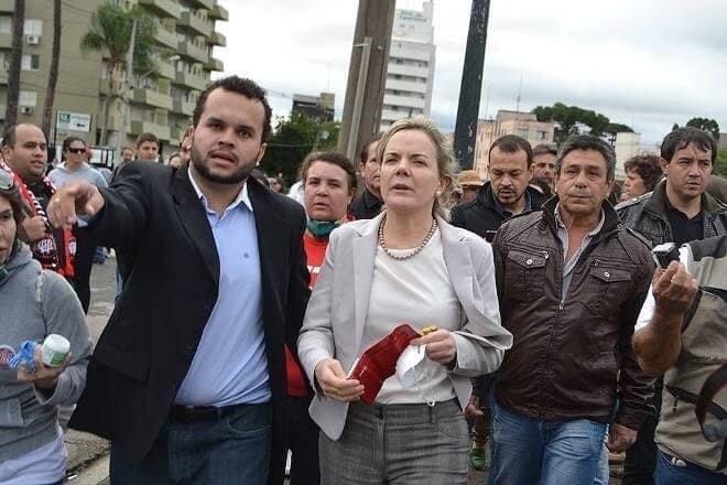 """""""O estado do Paraná está de luto"""", diz Gleisi Hoffmann 1"""