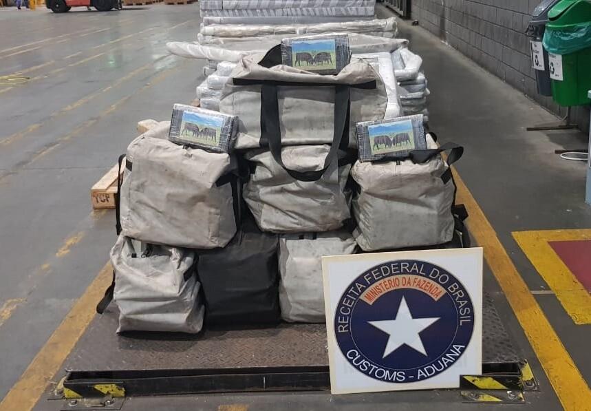 Receita Federal faz nova apreensão de drogas no Porto de Paranaguá 1