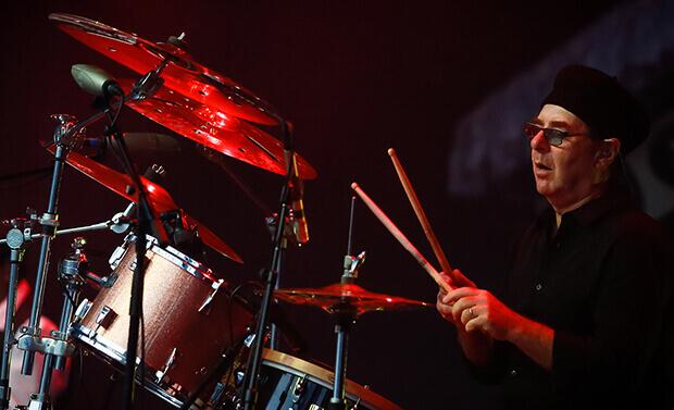 Joe Bonamassa   Band Spotlight   Drummer Anton Fig   Blues Rocker