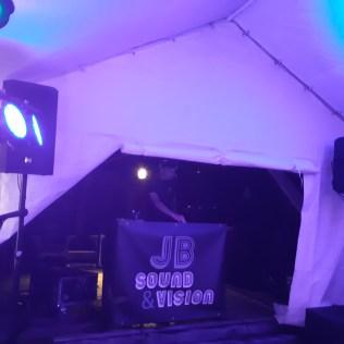 DJ in de avond