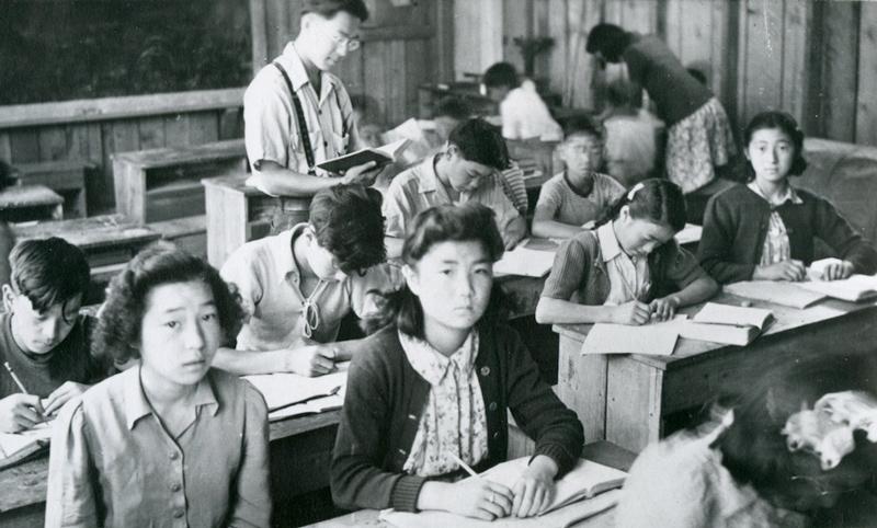 Students with teacher Hideo Hiraki at Taylor Creek