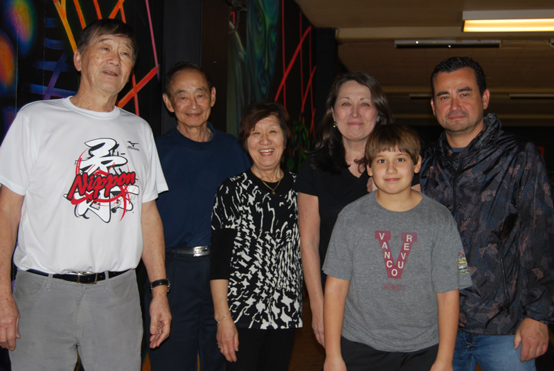 Ken and his family at JCCA Bowl-a-thon with Tom and May Mukai.