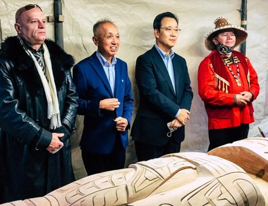 Left to right: Johan Karlsen, Sammy Takahashi, Consul General Takashi Hatori, Darren Yelton. Photo by Manto Artworks.