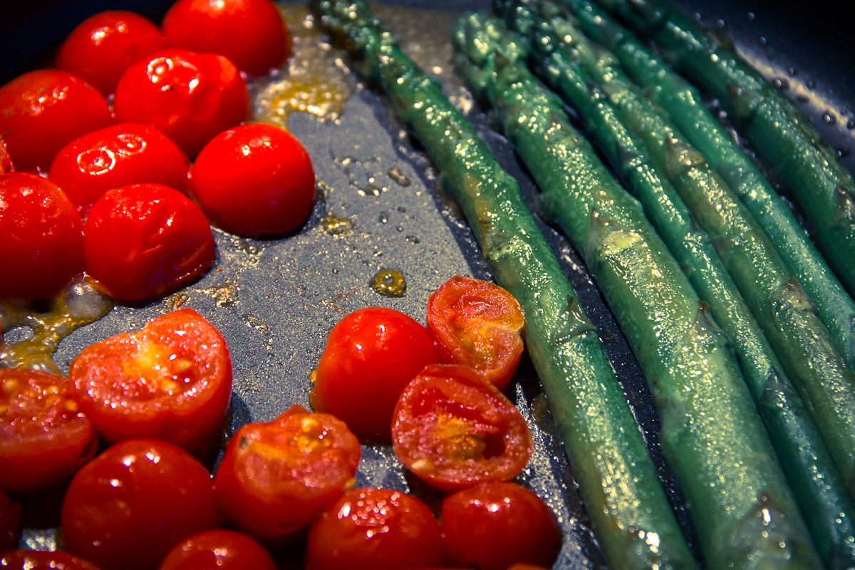 Cherry Tomatos and Asparagus in a Frying Pan
