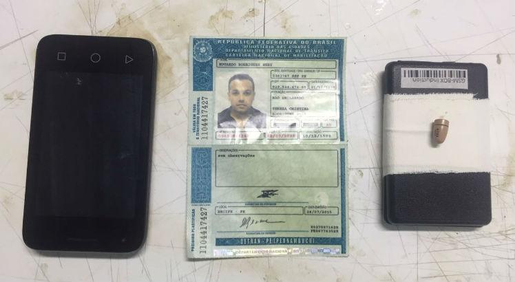 Homem foi flagrado usando ponto eletrônico em Caruaru / Foto: Cortesia