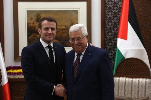 Macron Abbas