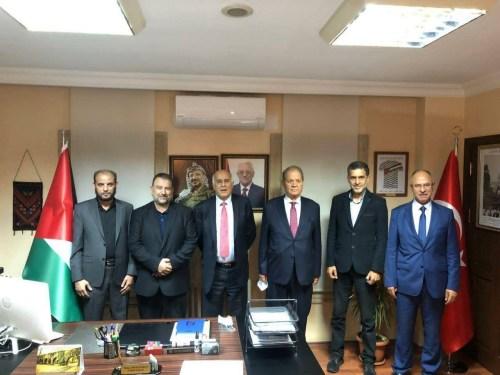 Réunion des dirigeants du Fatah et du Hamas à Istanbul, septembre 2020. Le deuxième à gauche est Salih al Aruri du Hamas. Le troisième à gauche est Jibril Rajoub du Fatah.