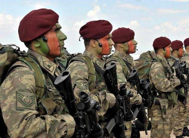 כוחות טורקיים בדרך אל הגבול עם סוריה