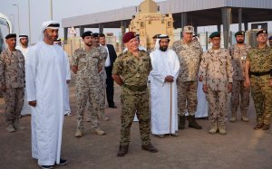 חוק הנשק החדש בממלכה מעורר סערה. המלך עבדאללה בביקור ביחידה צבאית // צילום: טוויטר בית המלוכה