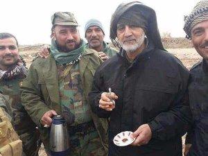 קאסם סולימאני באחד מקווי החזית שמנהלת איראן ברחבי המזרח התיכון